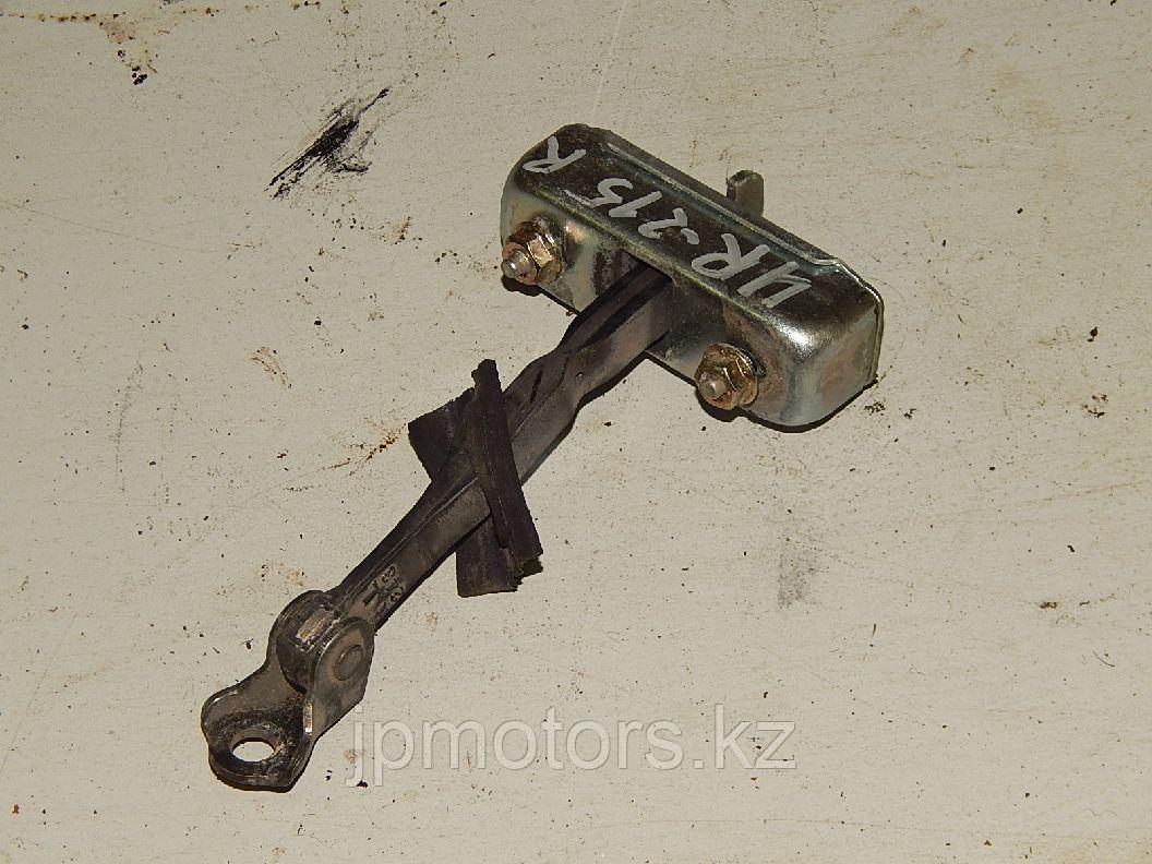 Ограничитель передней двери (r-l) toyota 4runner 215 2003-2009