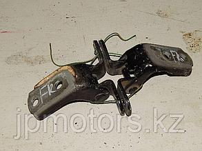Петли передней правой двери (пара) toyota 4runner 215 2003-2009