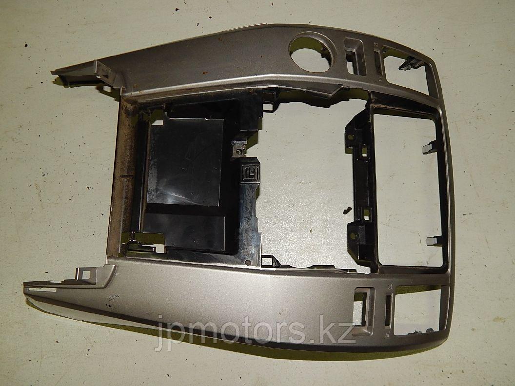 Пластик центральной консоли toyota 4runner 215 2003-2009