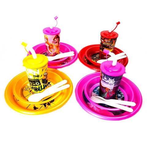 Набор пластиковой посуды и приборов для ребенка {7 предметов} (Тачки)