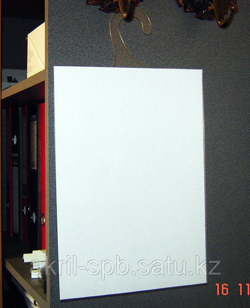 Карман информационный А4 на крючке из пластика ПЭТ