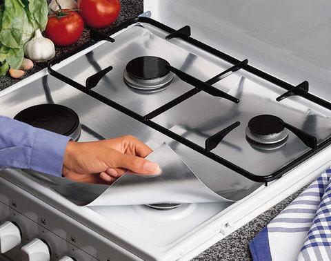 Фольга алюминиевая для защиты газовой плиты «АнтиЖир» [50х60 см на 4 конфорки]