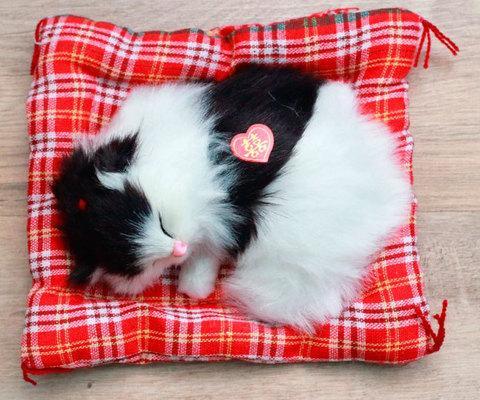 Игрушка «Спящий котенок»
