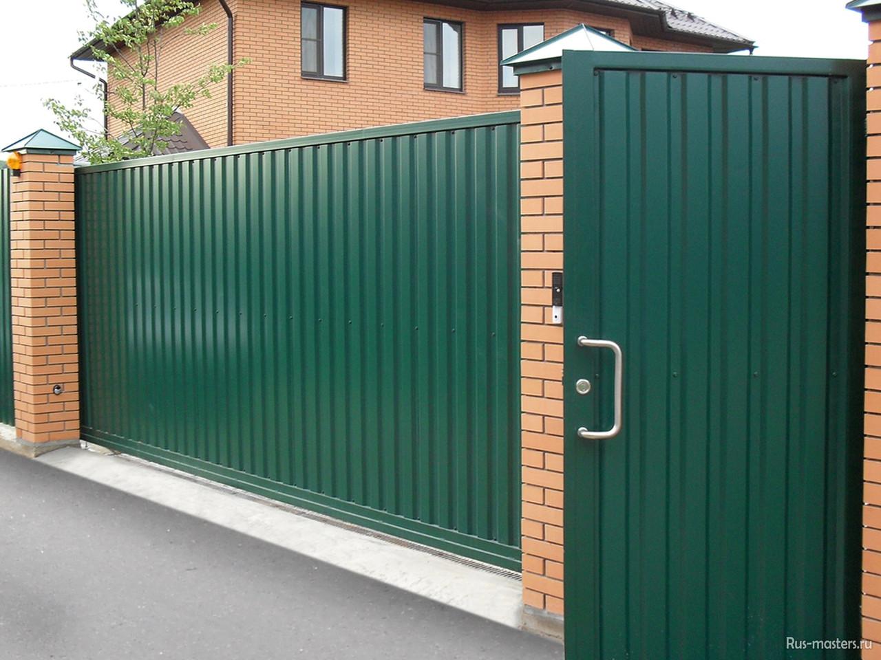 Откатные ворота из профилированного листа 3400х1800 зеленого цвета