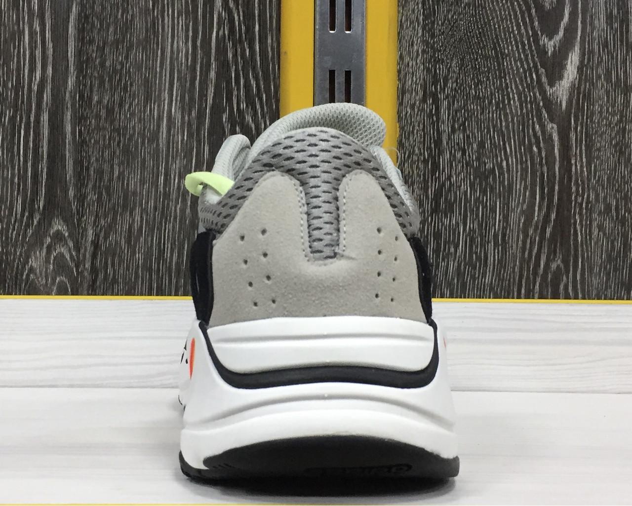 Adidas Yeezy 700 - фото 3