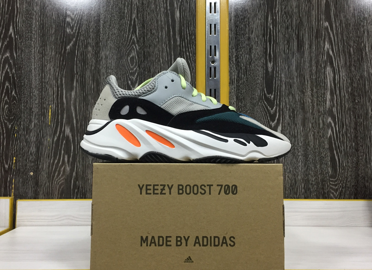 Adidas Yeezy 700 - фото 5