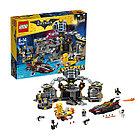 Конструктор LEGO Batman movie Бэтмен Нападение  на Бэтпещеру