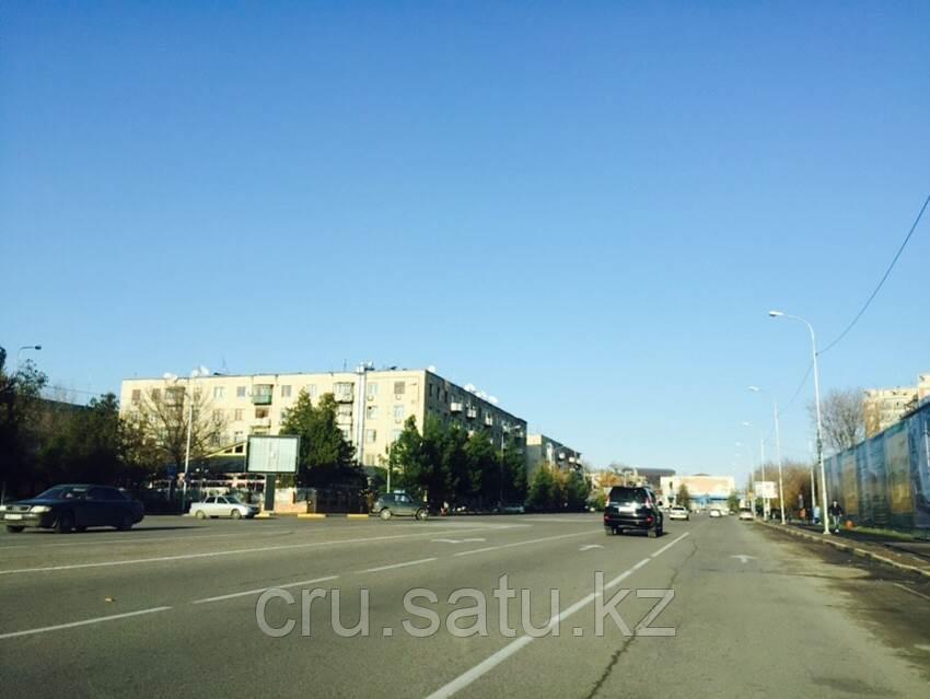 Площадь Аль-Фараби,перед рестораном «Понтос»