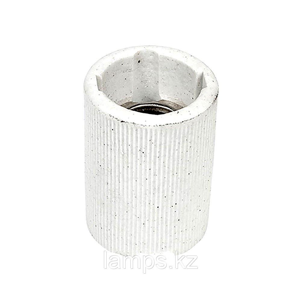 Патрон керамический цвет белый E14
