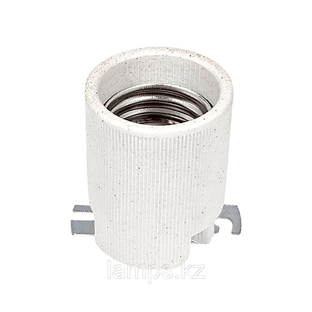 Патрон керамический цвет белый E40