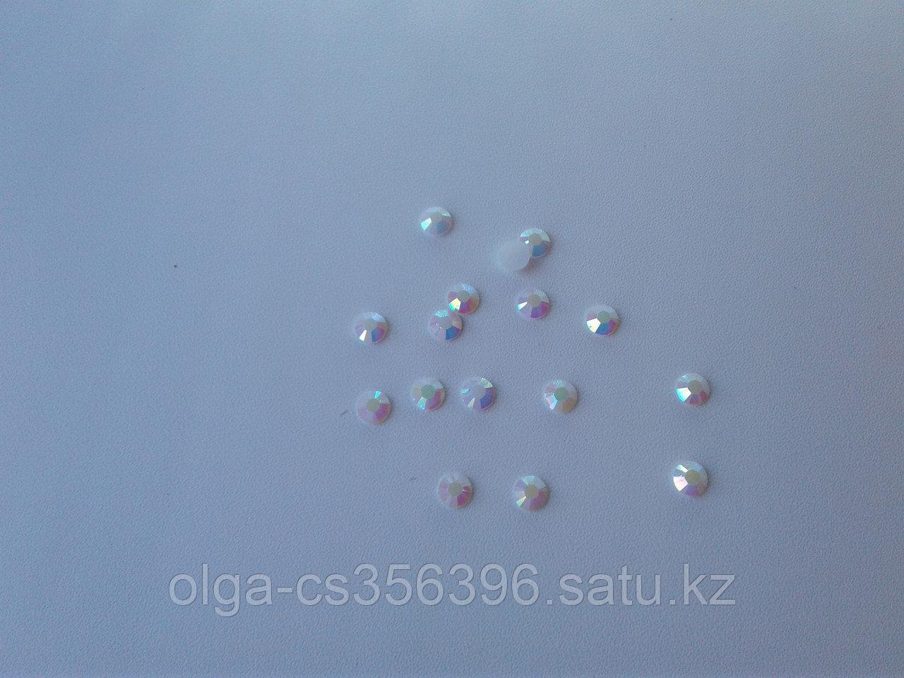 Стразы пластик. Перламутр. 6 мм.  Creativ 2553