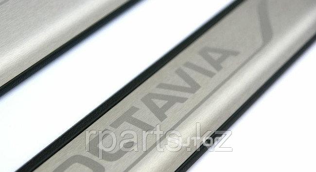 Накладки на пороги пластик метал, хром  Skoda Octavia A7/ Шкода Октавиа А7