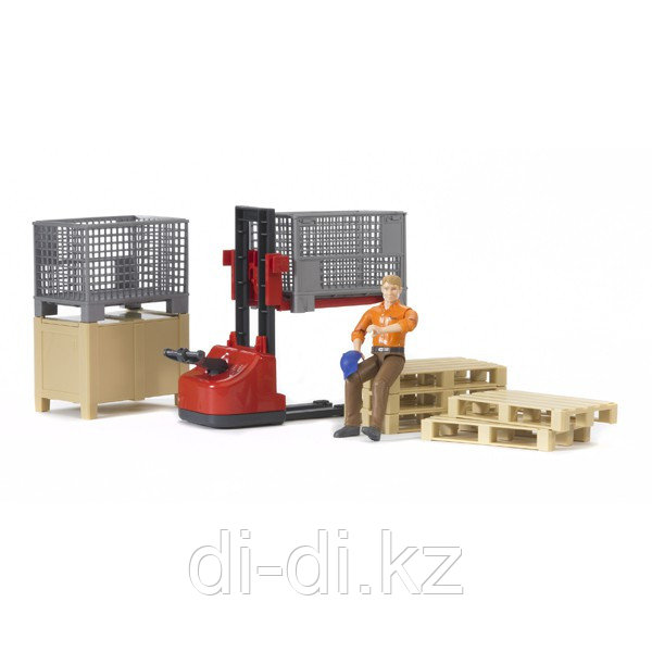 BRUDER Механический складской погрузчик со складскими аксессуарами и фигуркой