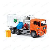 BRUDER Мусоровоз MAN (цвет кузова серый, кабина оранжевый)