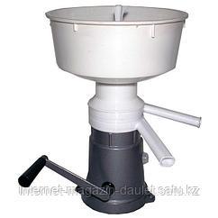Сепаратор-сливкоотделитель ручной Пензмаш РЗ-ОПС, 50л/ч, алюминиевая станина