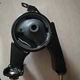 Подушка двигателя задняя (коробки автомат) YARIS 2000-2005, фото 2
