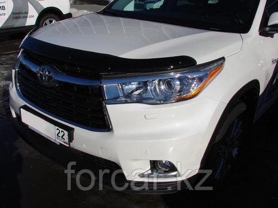 Дефлектор капота Toyota Highlander (Тойота Хайлендер) (2014-) темный, логотип слева, фото 2