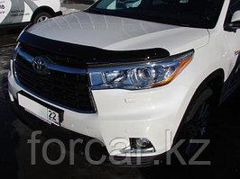 Дефлектор капота Toyota Highlander (Тойота Хайлендер) (2014-) темный, логотип слева