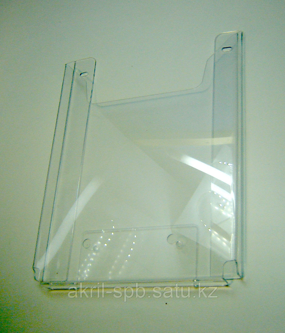 Карман буклетница А4 (акрил, на саморезы) верт 25