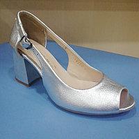 Босоножки серый металлик на каблуке
