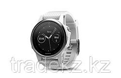 Часы с GPS навигатором Garmin Fenix 5S Silver with Carrara white band (010-01685-00)