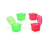 Пластиковый контейнер для заморозки соусов и трав.