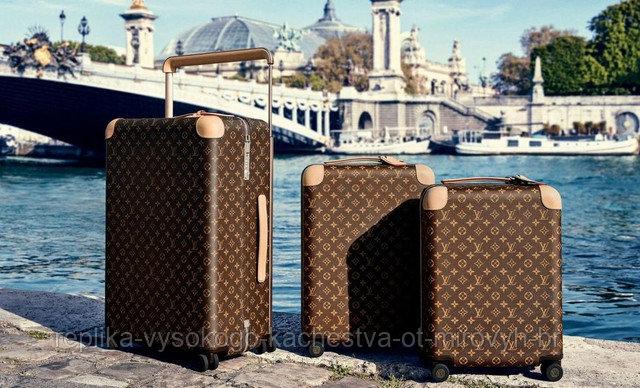 Чемодан Louis Vuitton на колесиках