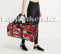 Сумка женская спортивная дорожная камуфляжная с плечевыми ремнями красная