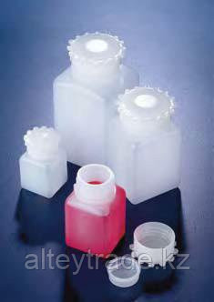 Бутыль широкогорлая полиэтиленовая, квадратная, V-25 мл, с винт.герметичной крышкой и уплотнением (PE-HD) (Azlon)