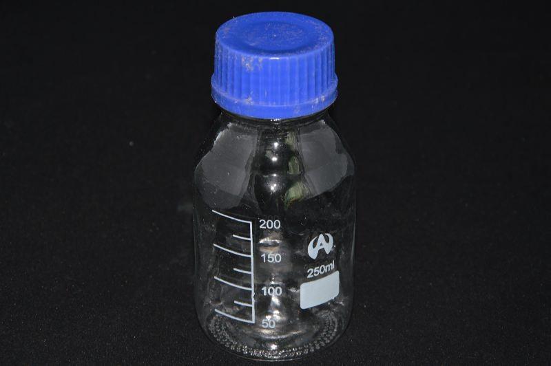 Бутыль для химреактивов с пластмассовой завинчивающейся крышкой, с дел. (250 мл)