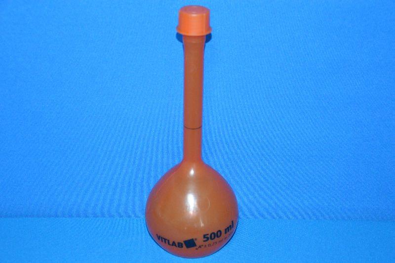 Колба мерная непрозрачная с винтовой пробкой, 500 мл, класс А, материал-полиметилпентен (РМР) (VITLAB)