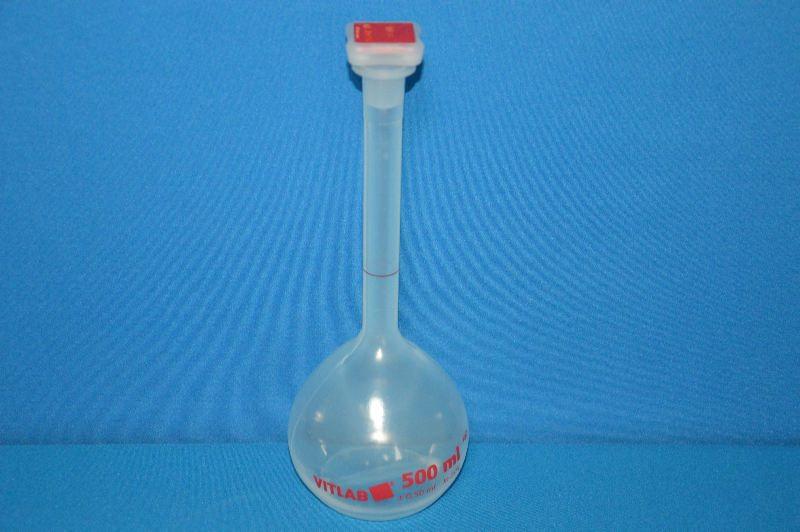 Колба мерная с полиэтиленовой пробкой NS19/26, 500 мл, класс В, материал-полиметилпентен (РМР) (VITLAB)