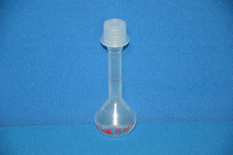 Колба мерная с винтовой пробкой, 25 мл, класс В, материал-полиметилпентен (РМР) (VITLAB)