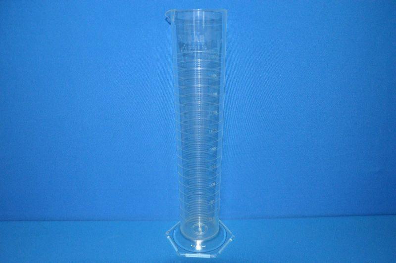 Цилиндр мерный с носиком высокий, 2000 мл, ц.д.20 мл, класс А, 6-гранное основание, рельефная градуировка, РМР (VITLAB)