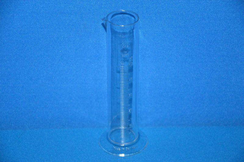 Цилиндр мерный с носиком низкий 50 мл, ц.д.1 мл, класс В, кольцевая рельефная шкала, SAN (VITLAB)