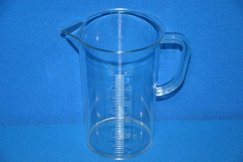 Кружка мерная 500 мл, ц.д.10 мл, рельефная шкала, материал-стиролакрилонитрил (SAN) (VITLAB)