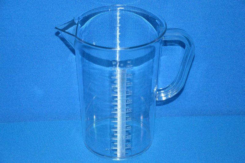 Кружка мерная 1000 мл, ц.д.10 мл, рельефная шкала, материал-стиролакрилонитрил (SAN) (VITLAB)