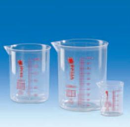 Стакан пластиковый 600 мл, ц.д.100 мл, красная шкала, материал-полиметилпентен (РМР) (VITLAB)