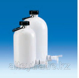 Бутыль узкогорлая полиэтиленовая, V-10 л, с ручкой для переноса, винтовой крышкой и вентилем (PE-HD) (VITLAB)