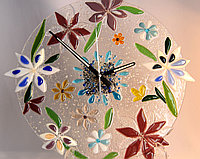 """Часы """"Цветы"""", выполненые в технике фьюзинг, фото 1"""