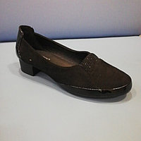 Туфли чёрные замшевые на низком каблуке