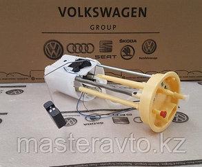 Насос топливный электрический ОРИГИНАЛ VAG VW AMAROK 2.0 TDI 2010-NEW