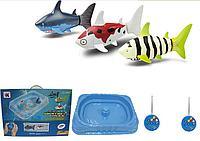 Игровой набор из 2 радиоуправляемых акул с бассейном