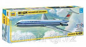 Советский пассажирский авиалайнер Ил-62М, сборная модель, 1:144