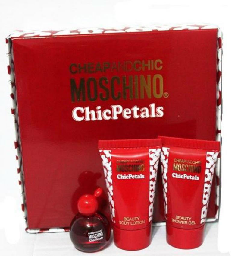 Moschino Подарочный набор Moschino Cheap and Chic Chic Petals Набор